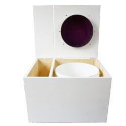 Toilette sèche avec bac à copeaux de bois. peinte en blanc. abattant violet. Livrée avec bavette inox et seau 22 litres