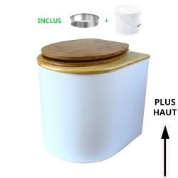 toilette sèche arrondie blanche avec couvercle huilé, abattant bambou, seau plastique 22 litres, bavette inox. modèle rehaussé