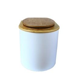 toilette sèche arrondie blanche avec couvercle huilé, abattant bambou, seau inox 22 litres, bavette inox. modèle rehaussé PMR