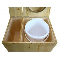 Toilette sèche avec bac à copeaux de bois. toilette sèche en bois huilé